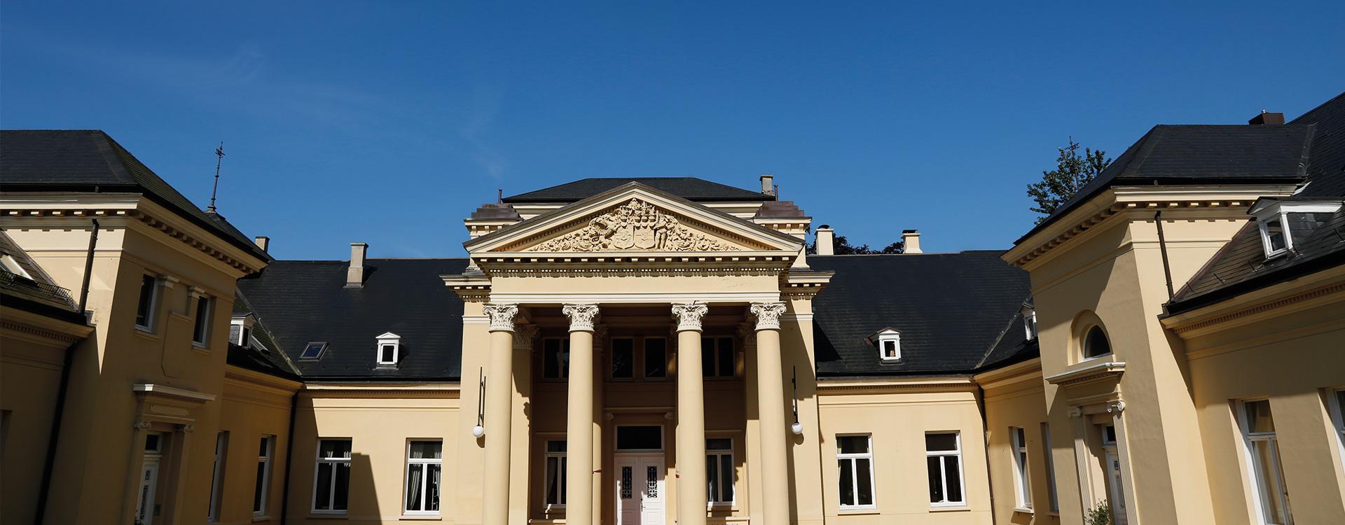 Kontakt Eventlocation Schloss Bredeneek